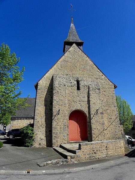 Église Saint-Julien de La Bazouge-des-Alleux (53). Façade occidentale.