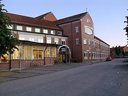 Laholms stadshus och bibliotek.jpg