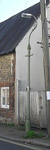 Lanterna kolono okcidente de 57 Old London Road, Patcham (IoE Code 480959).JPG