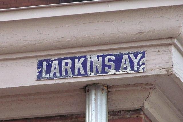 Larkins Alley sign