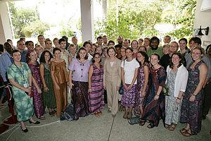 Volunteering - Laura Bush poses with Peace Corps volunteers