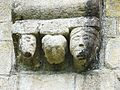 Le Chalard église modillons (6).JPG