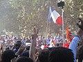 Les bleus descendent les Champs.jpg