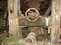 Limpenhoe drainage mill - driveshaft mechanism - geograph.org.uk - 1753777.jpg