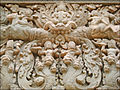 Linteau du temple Preah Kô (Angkor) (6823878060).jpg