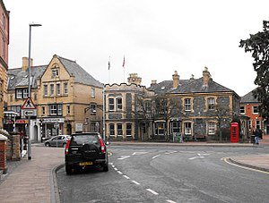 Llandrindod Wells - Image: Llandrindod Wells Junction of South Crescent with Temple Street