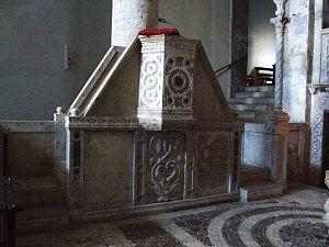 Cosmati - Cosmati pulpit in Santa Maria Assunta in Lugnano in Teverina
