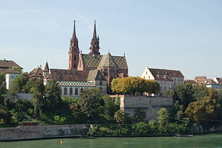 https://upload.wikimedia.org/wikipedia/commons/thumb/3/37/M%C3%BCnster_Basel_2006_869.JPG/320px-M%C3%BCnster_Basel_2006_869.JPG