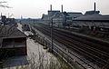 Maastricht, spoorweg en fabriekscomplex Kristalunie vanaf Viaductweg.jpg