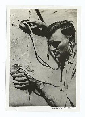 Geophone - Man using a geophone