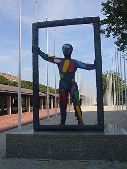 Marc (escultura al Parc del Port Olímpic).JPG