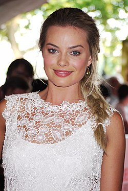 Margot Robbie at Somerset House in 2013.jpg