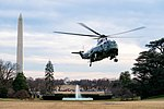 Marine One Lands on the South Lawn (33189407608).jpg