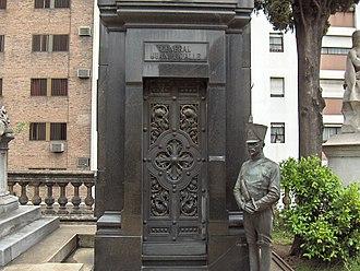 Luis Perlotti - Image: Mausoleo Lavalle