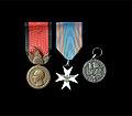 Medalje të periudhës së luftës.jpg