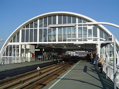 So kommt man zu Metrostation Spijkenisse Centrum mit den Öffentlichen - Mehr zum Ort Hier