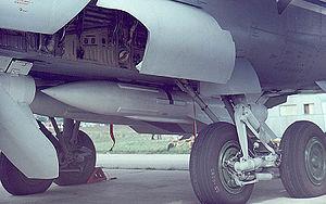 R-33 (missile) - R-33 on MiG-31 at Zhukovski, 1999