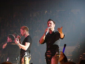 Michael Graham (singer) - Graham (right) with Ronan Keating (left)