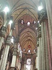 Milano duomo interno 1.jpg
