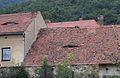 Milešov (Velemín), střechy domů.JPG