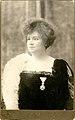 Milka Marković sa ordenom Sv. Save, 1910.jpg