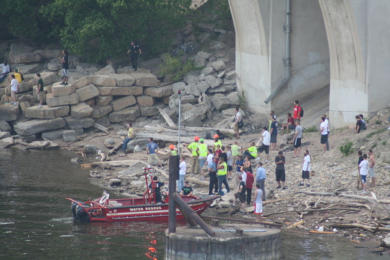 File:Minneapolis I-35W Bridge Collapse (980502409).jpg