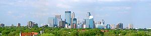 Central, Minneapolis - Image: Minneapolis skyline 20070805
