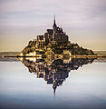 Mont Saint-Michel with photoshopped reflection.jpg