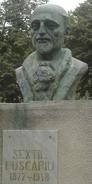Monument - Sextil Puscariu - Bran