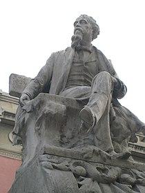 Monument a Serafí Pitarra, detall.jpg