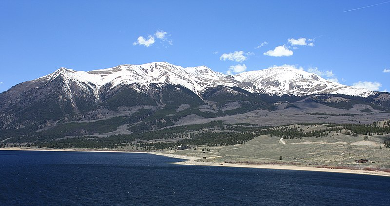 File:Mount Elbert from Twin Lakes.jpg