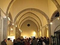L'ex-chiesa di Santa Lucia, sorta nel rione omonimo verso l'inizio dell'XI secolo[50] e ricostruita in architettura gotica nel Duecento forse su commissione della stessa Giacoma de Settesoli,[51] dal 2000 sede del museo civico Umberto Mastroianni.