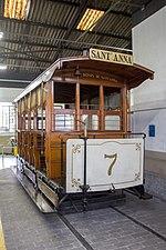 Número de assentos: 20                                                                                                                        Cumprimento: 5,10 metros                                                                                                                        Largura: 2,10 metros                                                                                                                        Altura total: 2,85 metros                                                                                                                        Tração: Dois animais de carga