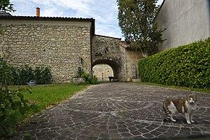 Château Dubignon - Château Larruau's side entrance