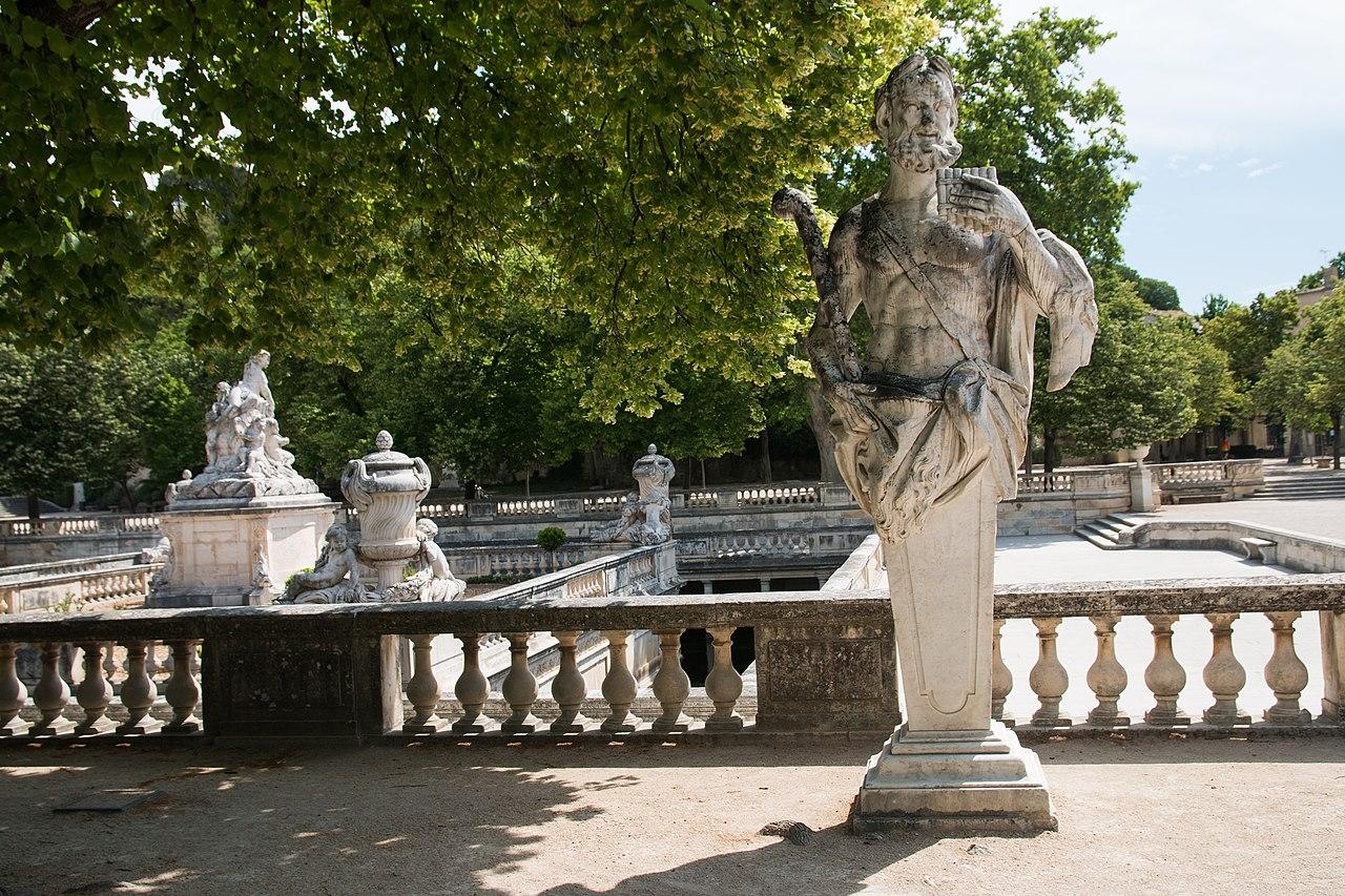 File:Nîmes-Jardin de la Fontaine-Pan-20140526.jpg ...