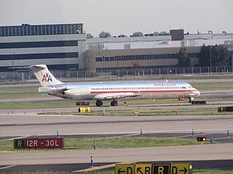 St. Louis Lambert International Airport - American MD-83 at Lambert