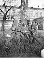 Narcyz Witczak-Witaczyński - Grupa żołnierzy Szwadronu Przybocznego Naczelnika Państwa na terenie koszar przy ulicy 29 Listopada (107-1-2).jpg
