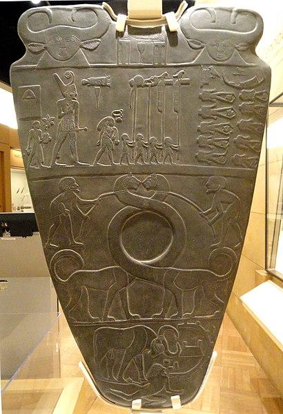http://upload.wikimedia.org/wikipedia/commons/thumb/3/37/Narmer_Palette%2C_Egypt%2C_c._3100_BC_-_Royal_Ontario_Museum_-_DSC09728.JPG/410px-Narmer_Palette%2C_Egypt%2C_c._3100_BC_-_Royal_Ontario_Museum_-_DSC09728.JPG?uselang=ru