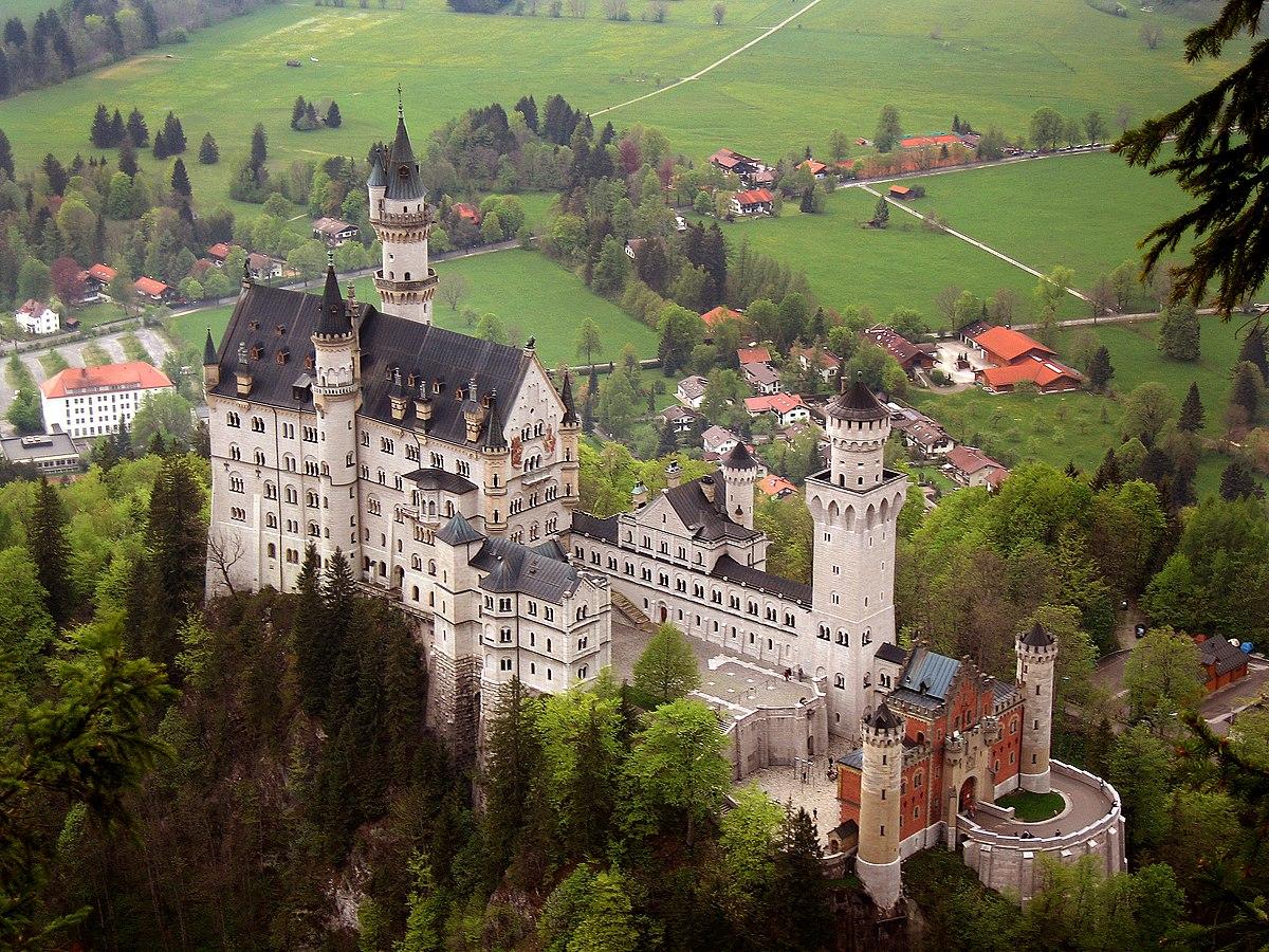 Замок в германии купить стоимость шторм в дубай