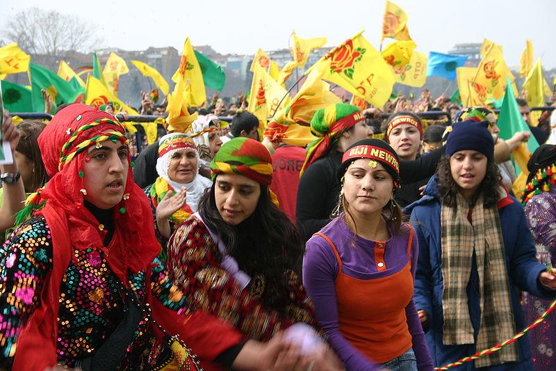 عيد نوروز في العراق  في كردستان الحبيبه 800px-Newroz_Istanbu