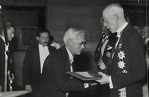 Alexander Fleming receives the Nobel prize fro...