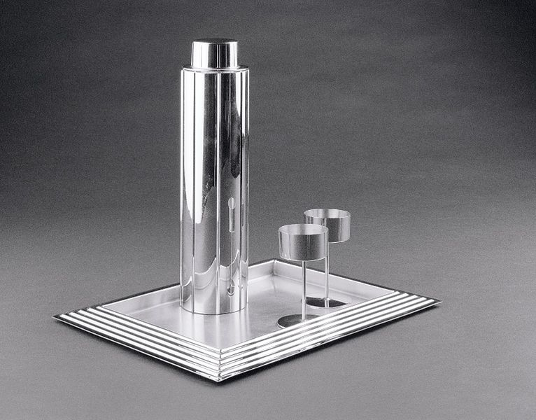 File:Norman Bel Geddes. Cocktail Set. 1937..jpg