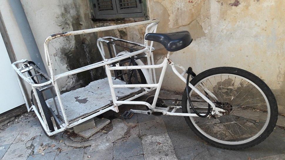 Old cargo bike