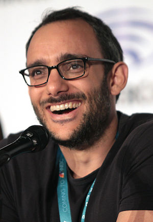 Omid Abtahi - Abtahi speaking at the 2016 Wondercon in Los Angeles, California