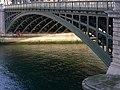 P1340928 Paris IV Seine et pont Sully nord structure rwk.jpg