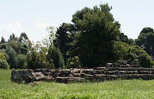 Foce del Sele - Remains of an altar-platform