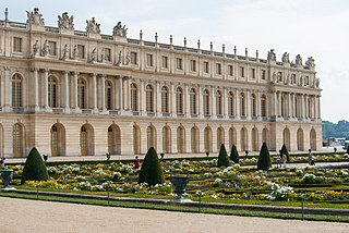 Palace of Versailles French palace on the outskirts of Paris
