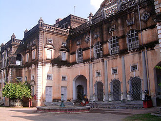 Kalahandi State - View of the royal palace of the Kalahandi Rajas in Bhawanipatna