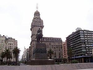 Palacio Salvo - Image: Palaciosalvo