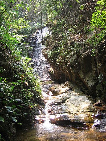 File:Pang Ah Noi Waterfall.jpg